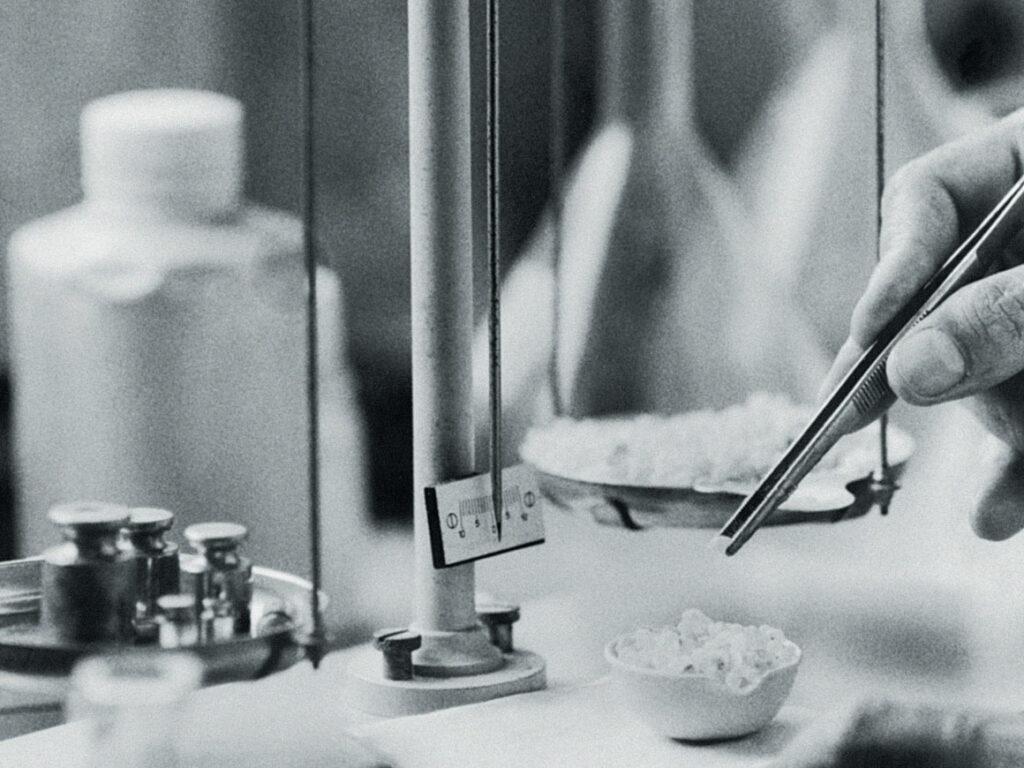 Mastika na skale farmaceutycznej
